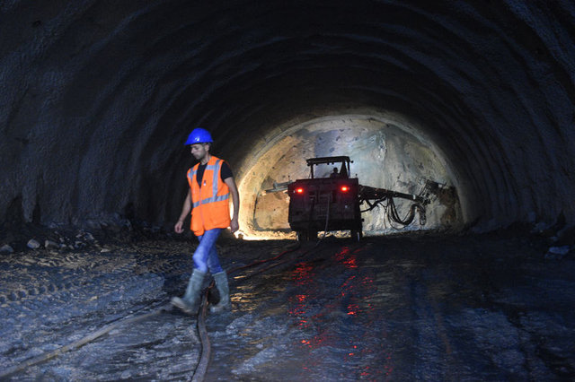 Yeni Zigana Tüneli'nde ışığa 11 kilometre kaldı - Haberler