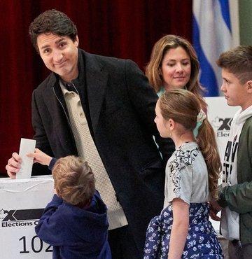 Trudeau koltuğunu korudu
