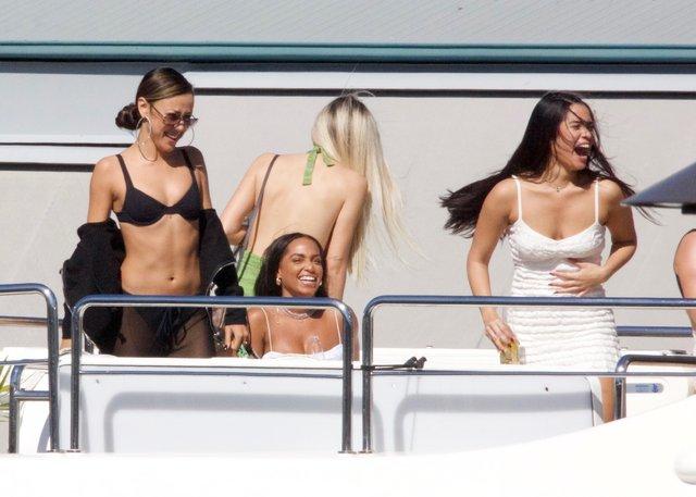 Tyga'nın 30 kadınla tekne partisi - Magazin haberleri