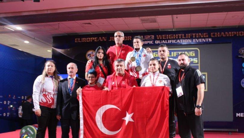 Erdoğan'dan altın madalya kazanan sporculara tebrik