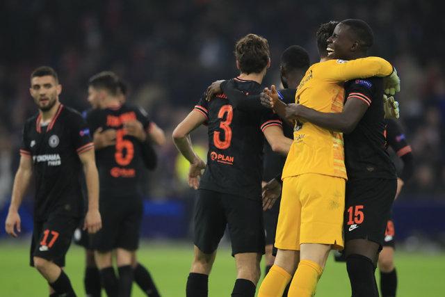 Ajax - Chelsea maçında VAR skandalı yaşandı! Ofsayt çizgisi yanlış çizildi!