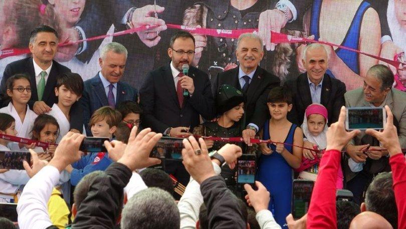 Bakan Kasapoğlu, Ümraniye'de spor tesisi açtı