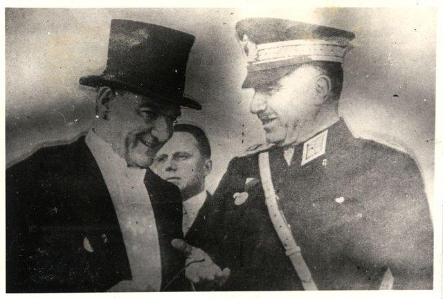 """Mustafa Kemal Atatürk'ün Cumhuriyet sözleri: """"Efendiler! Yarın Cumhuriyet'i ilan edeceğiz""""   Atatürk resimleri"""