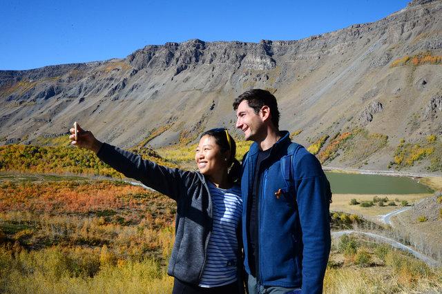 Nemrut Krater Gölü sonbahar renkleriyle büyülüyor