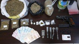 Balıkesir'de bir ayda 27 bin uyuşturucu hap ele geçirildi