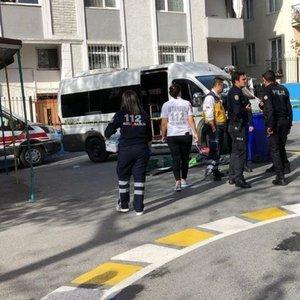 AVCILAR'DA OKUL BAHÇESİNDE SERVİS ARACI ÖĞRENCİYİ EZDİ