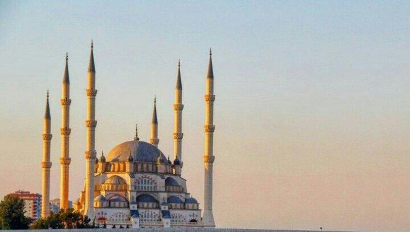 Adana cuma namazı saati kaçta? 8 Kasım Adana Cuma namazı vakti saati - Diyanet açıkladı