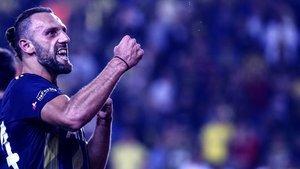 Vedat atıyor, Fenerbahçe kazanıyor!