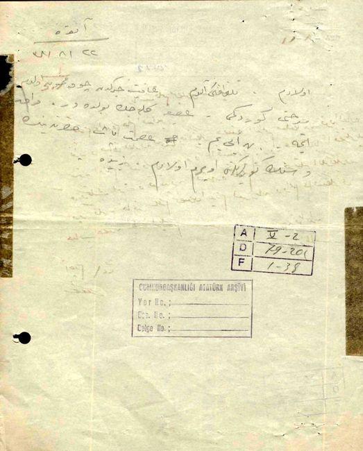 Zübeyde Hanım'ın oğlu Mustafa Kemal Paşa'ya Ankara'dan 22 Ağustos 1922'de gönderdiği cevabî telgraf (Cumhurbaşkanlığı Arşivi, 01014886-3).