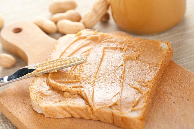 Hep sağlıklı besinleri ve kilo vermemize yardımcı olan besinleri konuşuyoruz, anlatıyoruz. Peki ya kilo vermemize engel besinler neler? ile ilgili görsel sonucu