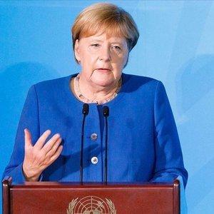 Merkel'den ırkçılık uyarısı