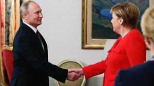 Putin ve Merkel krizi görüştü