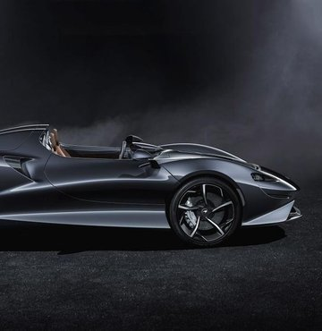 İngilizlerin spor otomobil üreticisi McLaren, Elva ismini verdiği yeni modelini tanıttı. 399 adet üretilecek modelin İngiltere fiyatı 1.43 milyon pound (10.61 milyon TL) olarak açıklanıyor. Verilen bilgiye göre, otomobil V8 motorundan 804 beygir güç üretiyor