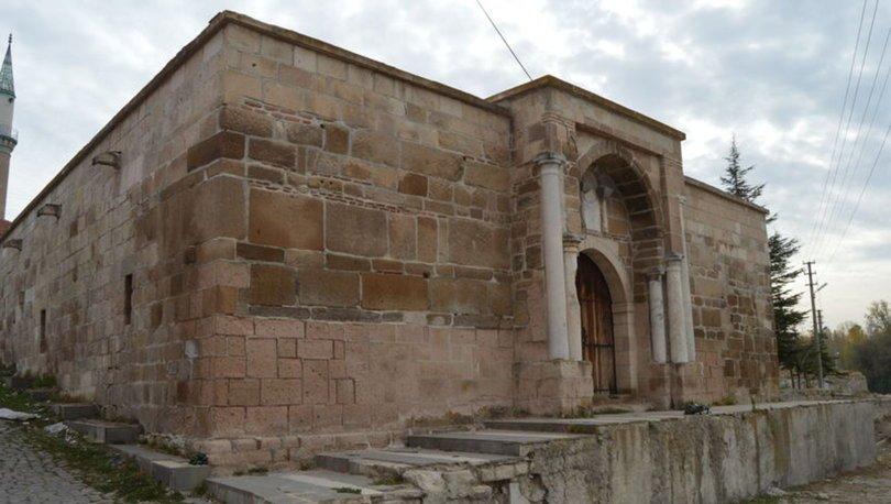 Taşhan ve Anıtkaya Kervansarayı