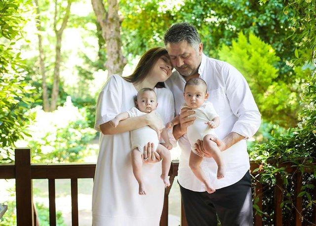 Sinem Uslu-Mustafa Uslu çiftinden aile pozu - Magazin haberleri