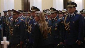 Bolivya'da geçici devlet başkanına yargı tehdidi