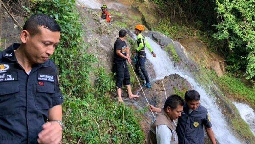 Fransız turist, Tayland'da şelalede selfie çekerken 80 metre aşağı düşerek öldü