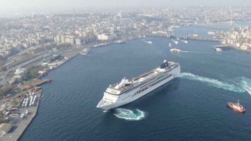 Dev gemi İstanbul'da