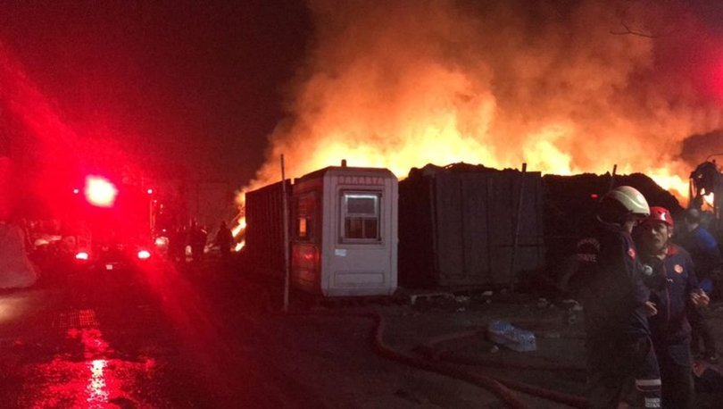 Sakarya'daki geri dönüşüm fabrikasında yangın