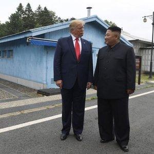 Trump'tan Kim'e 'anlaşma yap' çağrısı