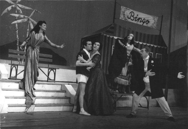 Yıldız Kenter'in Devlet Tiyatrosu yılları - Magazin haberleri