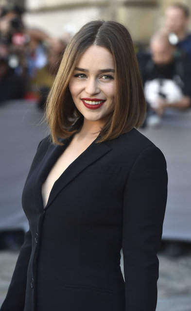 Emilia Clarke sevişme sahnelerini anlattı: Tuvalette ağlıyordum, sonra sahneyi çekiyorduk - Magazin haberleri