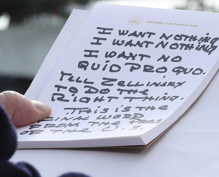 Trump'ın notları alay konusu oldu