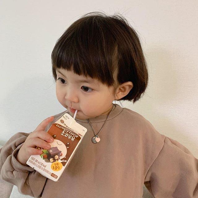 Koreli kız mimikleriyle fenomen oldu!