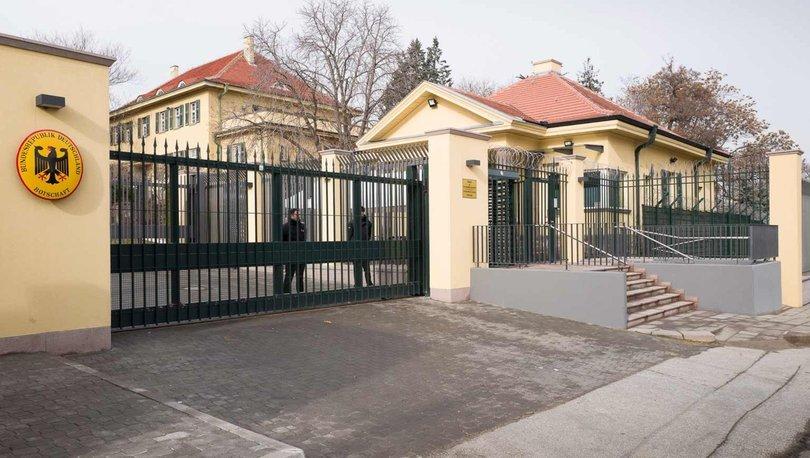 Almanya'nın kiraladığı Türk avukat böyle yakalandı