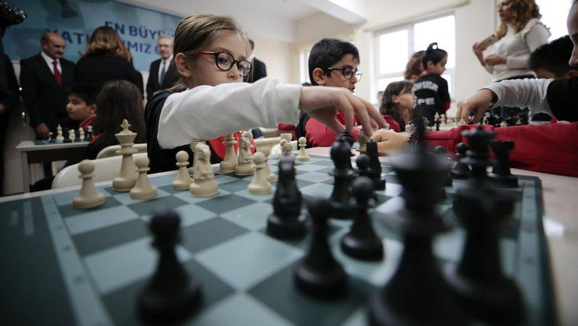 İş Bankası 25 bininci satranç sınıfını Ankara'da açtı
