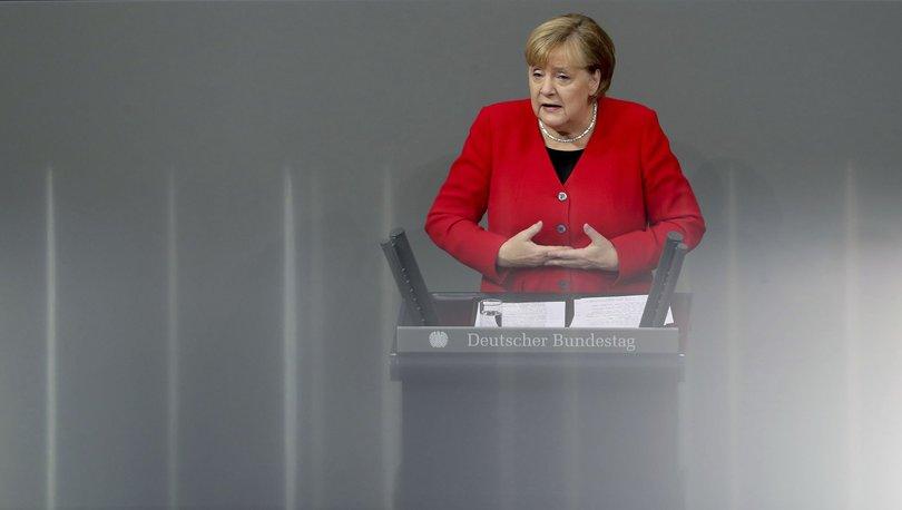 Merkel: Türkiye'ninNATOüyesi kalması lazım