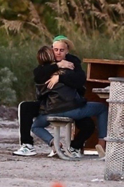 Justin Bieber'ın eşi Hailey Baldwin çekimde - Magazin haberleri