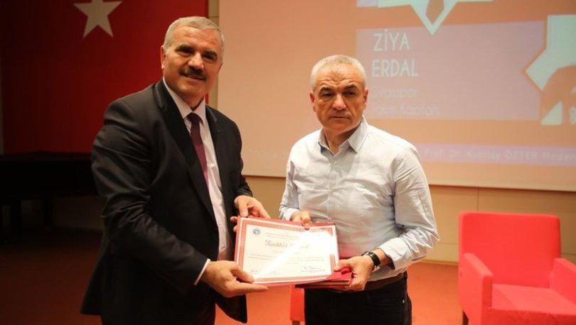 Sivasspor Teknik Direktörü Çalımbay, Tokat'ta gençlerle buluştu