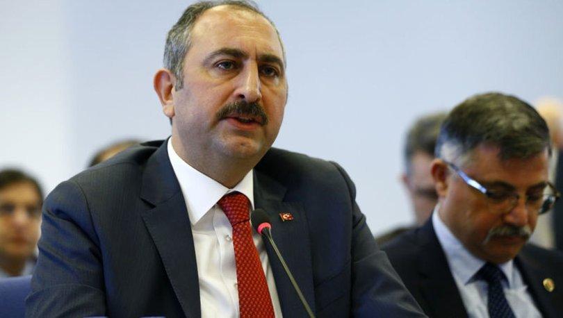Abdulhamit Gül'den İzmir'de Alevi aileye yapılanlar hakkında açıklama