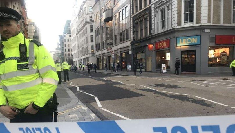Son dakika... Londra Köprüsü'nde silah sesleri! Saldırganın öldürülme anı (video)