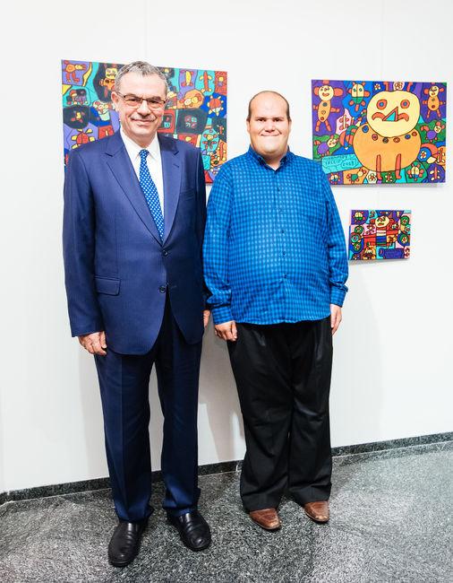 Kuveyt Türk Genel Müdürü Ufuk Uyan ve ressam Muhammed Yalçın