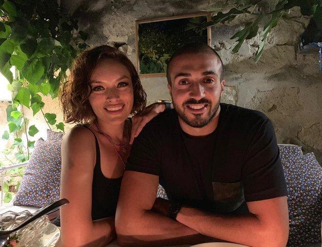 Ezgi Mola'dan Mustafa Aksakallı'ya: Hayırlı olsun yakışıklı - Magazin haberleri