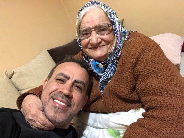 Haluk Levent: O dönemlerde ona layık bir evlat olamadım - Magazin haberleri