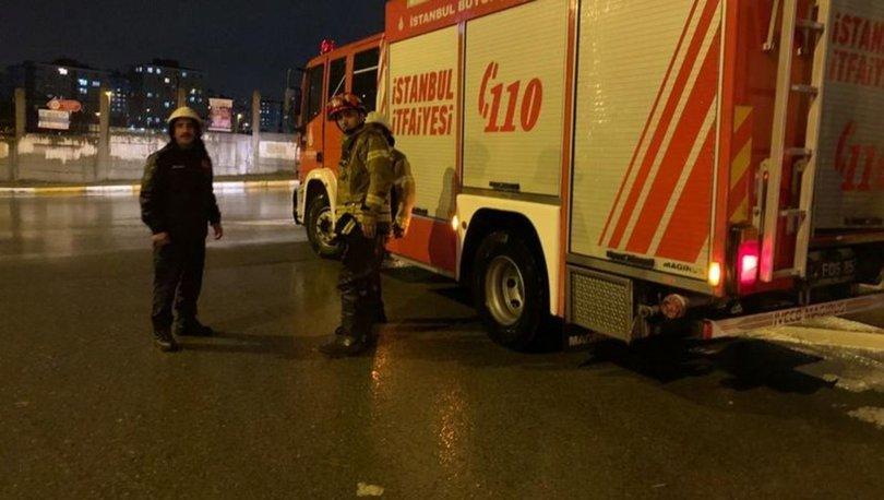 İstanbul'da sağanak: Pendik'te iki otomobil mahsur kaldı