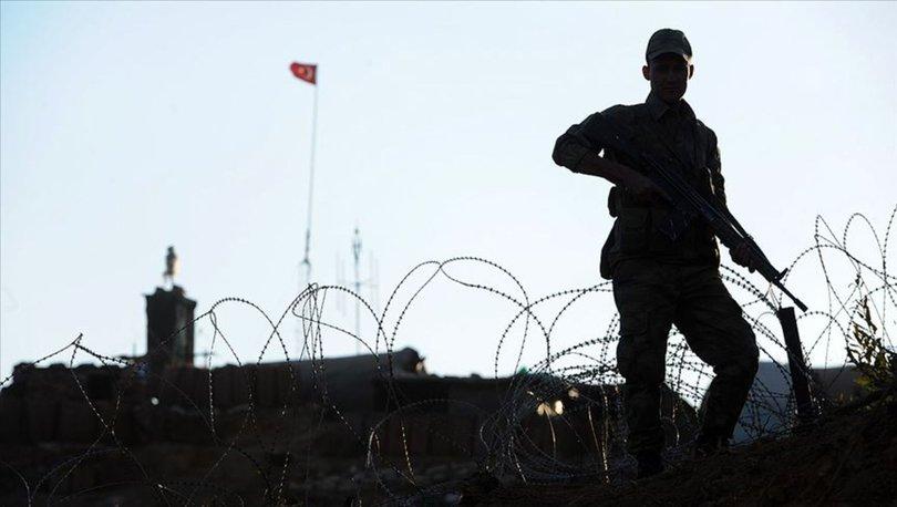 Hakkari'de PKK'lı terörist teslim oldu
