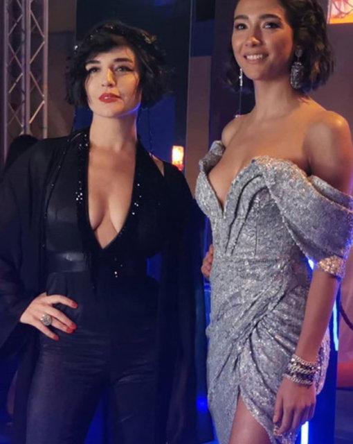 Aybuke Pusat'ın göğüs ve bacak dekolteli elbisesi dikkat çekti - Magazin haberleri
