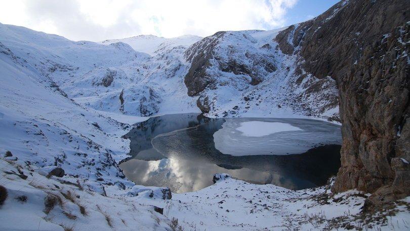 Bolkar'daki buzul gölleri