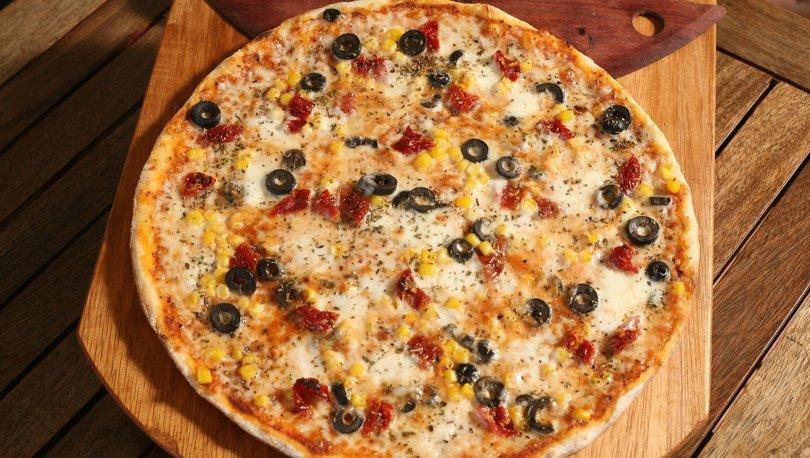 Evde kolay pizza tarifi, nasıl yapılır?