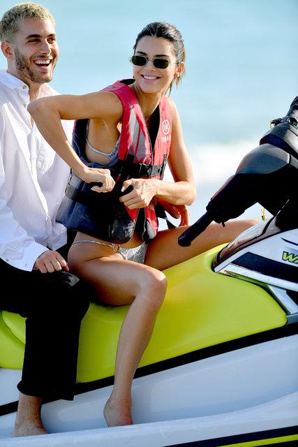 Plaj güzelleri: Kendall Jenner - Bella Hadid - Magazin haberleri
