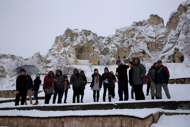 Kapadokya'da 'beyaz güzellik'
