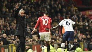 Mourinho'ya ilk şok eski dostundan!