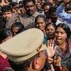 Polis katil tecavüzcüleri öldürdü