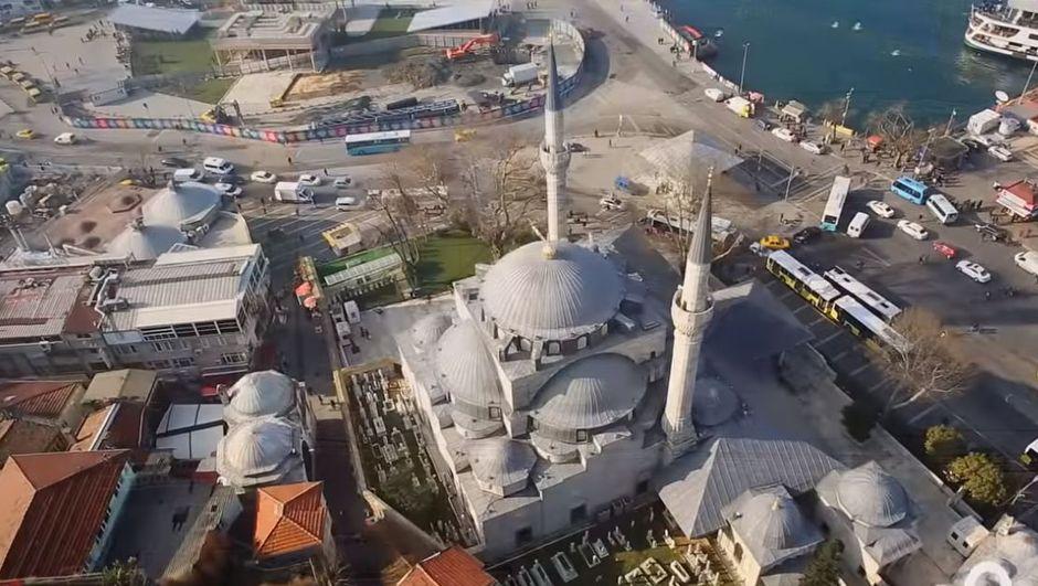 Mamboury'e göre İstanbul'da yonca yapraklı tek cami