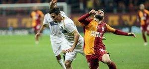 Galatasaray 2 dakikada yıkıldı!
