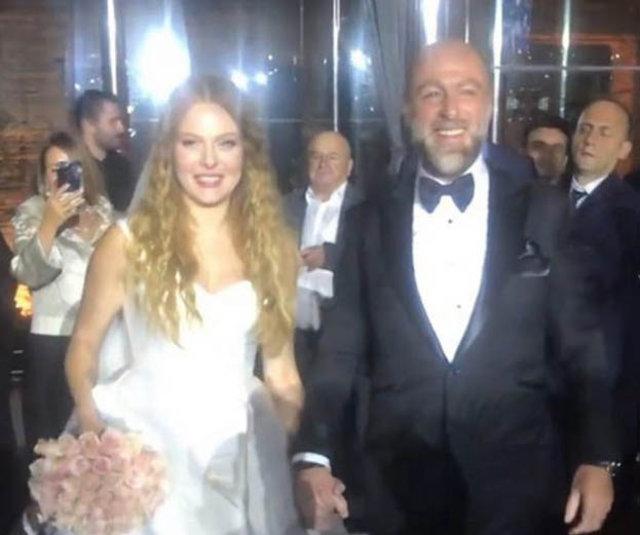 Naz Elmas ile Erol Özmandıracı evlendi - Magazin haberleri